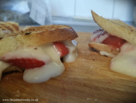 The strawberry cheesecake toastie
