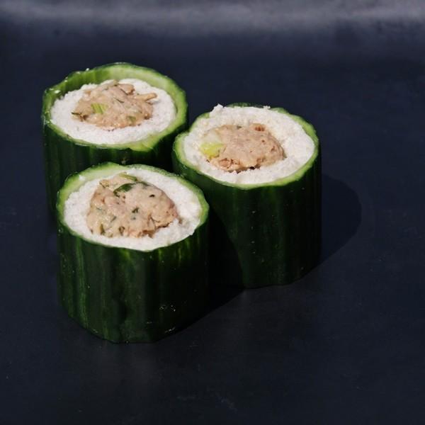 tuna cucumber maki